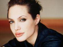 Анджелина лапна 33 милиона долара