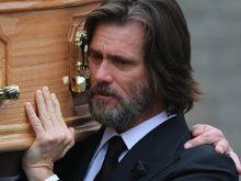 Джим Кери погреба бившата
