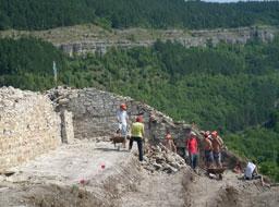 Откриха златен пръстен от 13 -14 век във В. Търново